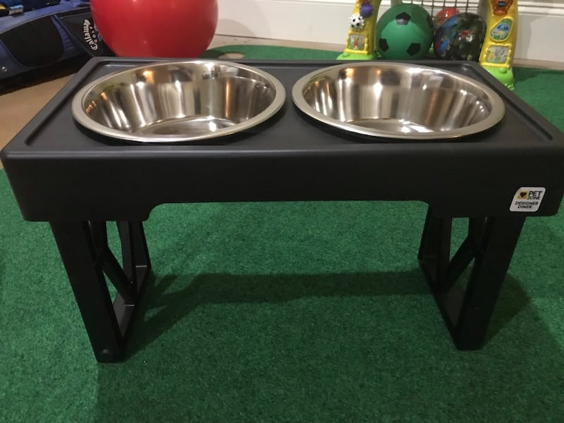 Adjustable height dog bowl 46dfbabe-3f50-4aa1-b3f1-82732deb9dc6