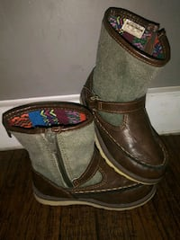 ***KID'S SIZE 9 CARTERS BOOTS!*** Dallas