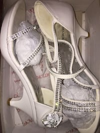 pair of white leather open-toe heeled sandals Northwood, 03261