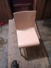 Nice kichen chair have 10 total 15  a peice Newport, 37821