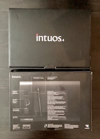 Intuos 4 drawing tablet and wireless graphic pen