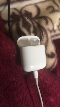 Charging connecter for EarPods it's the real one  Toronto, M9N 3P7