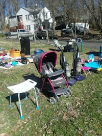 Yard sale today in the morning 9 till 5 Triangle, 22172