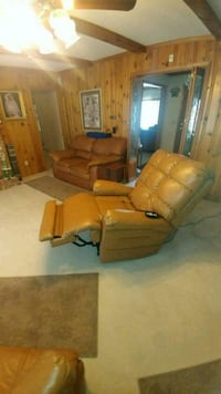 brown leather sofa set with coffee table Myrtle Beach, 29572