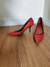 Red stilettos size9 Cambridge, N1R 1L5
