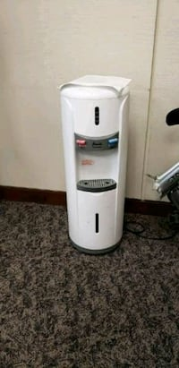 Avant Hot/Cold Dispenser