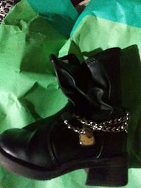 pair of black leather boots Flint, 48507