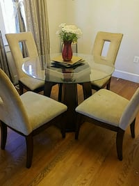 table and 4 chairs Suitland-Silver Hill, 20746