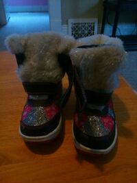 toddler's pair of black winter boots Brantford, N3S 2C3