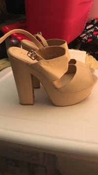 Pair of beige chunky heel sandals East Brunswick, 08816