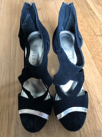 """7"""" Black and Gold Bakers pump shoes Stamford, 06903"""
