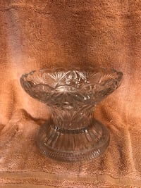 Antique punch bowl vase. Pick up only. Satellite Beach, 32937