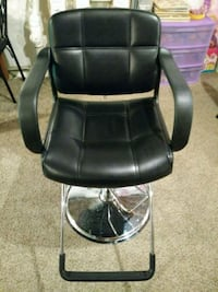 5 black barber/ styling chairs.  Silver Spring, 20904
