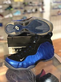 Royal foams size 9.5 Silver Spring, 20902