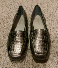 New  St. John's Bay  Leather Loafers/Flats Woodbridge, 22193