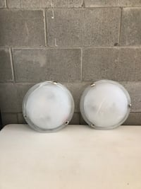 Two done ceiling lights Barrie, L4N 9E4