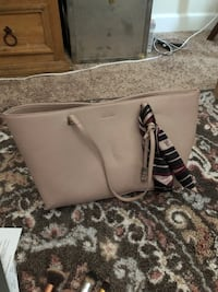I banks trump pink leather purse  Ankeny, 50023