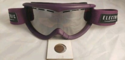 SKI GOGGLES new without box