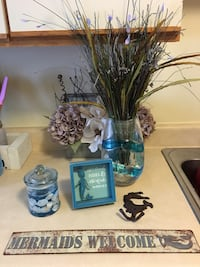 Beachy and mermaid decor! Fort Walton Beach, 32547