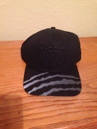 black and gray fitted cap San Antonio, 78228