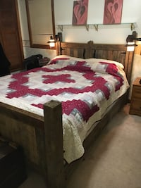 Rustic queen size bed frame 493 km