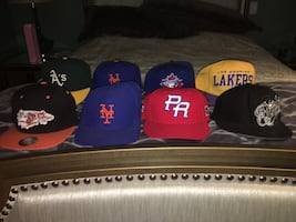 Snap back and fitted caps all for 25$