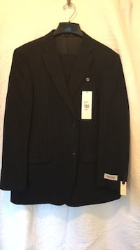 Emanuel  Ungaro  Men's  Suit , Size 44 Reg , 38 W  Washington, 20024