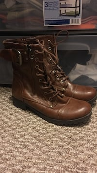 Women's Combat Boots, 7.  Johnson City, 37604