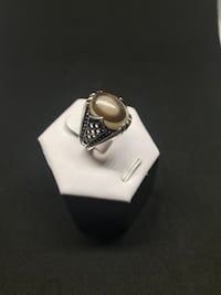 Silver ring with garnet stone Richmond Hill, L4C 3K1