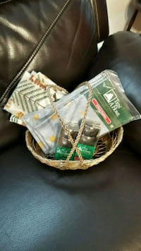 Napkin sets and Rings included with basket Piscataway Township, 08854