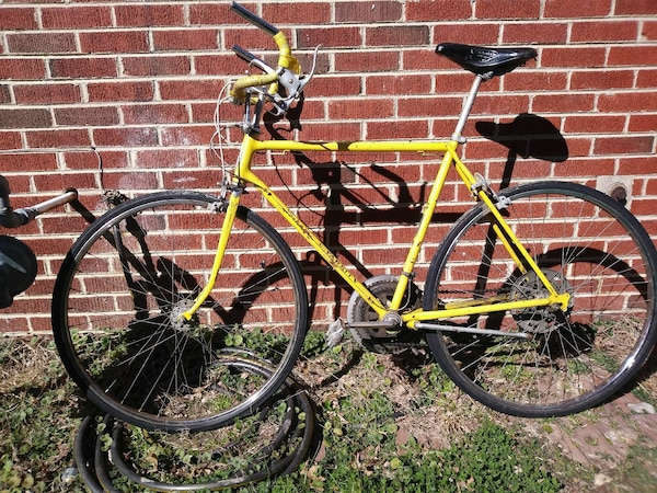 d3726606692 Used 1972 schwinn varsity for sale in Colonial Heights - letgo