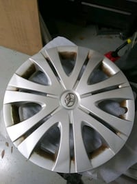 3 Toyota wheel covers 16 inch