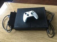 Xbox one (really good condition)  Edmonton, T5J 0A1