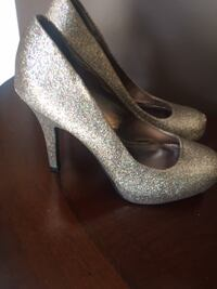 Le Chateu Heels Size 9 (Fit Like 8.5) St Catharines