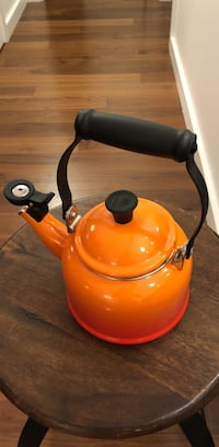 Le Creuset tea pot asking for $20 San Francisco, 94105