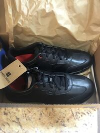 "Black brand new sneakers ""non slip"" Gainesville, 32608"