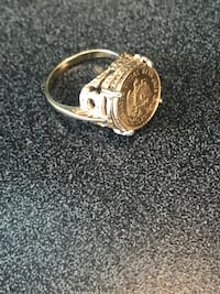 gold-colored and diamond ring Kyle, 78640