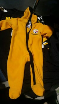 Steelers adorable 6-9 month pajamas!