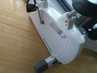 white and gray Arcelik canister vacuum cleaner Montreal, H4H