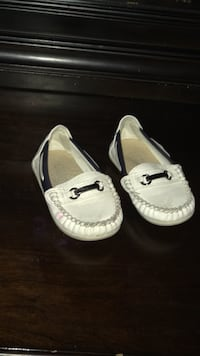 Toddler pair of white leather loafers McAllen, 78501