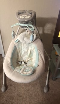 baby's gray and white cradle n swing Riverview, 33578