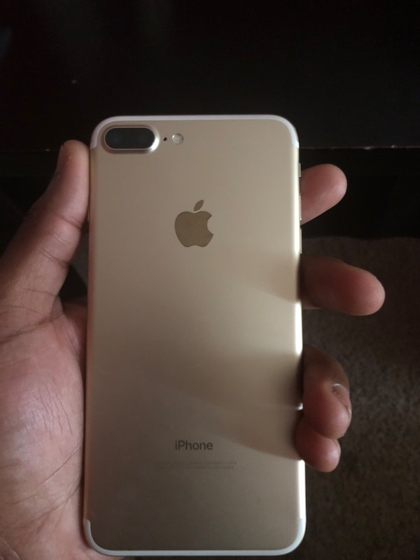 iPhone 7plus 128 gbs barely used