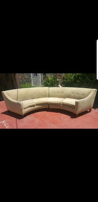 Couch Los Angeles, 91423