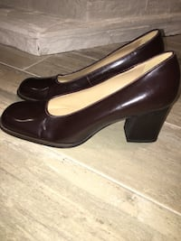 pair of brown leather chunky-heeled stilettos