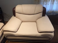 White and brown leather loveseat 3peace  538 km