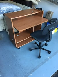 Desk with chair Dunn Loring, 22027