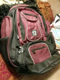 FUL BACKPACK 8 pockets excellent condition