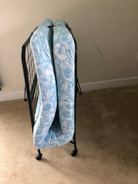 Lightweight folding bed with mattress. Used2x like new condition. Leesburg  15 km