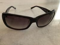 black framed Ray-Ban wayfarer sunglasses Singapore