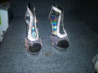 pair of silver open toe heels Forest, 39074